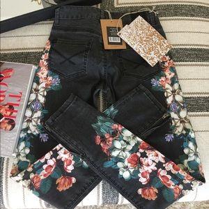 Nasty gal jeans - brand NEW